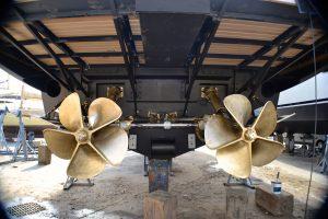 carénage antifouling chantier naval antibes cannes golfe juan polish