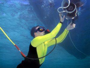 plongeur antibes cannes golfe juan nettoyage carène travaux sous marins
